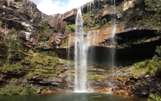 cachoeira do Cordovil na Chapada dos Veadeiros com visão panorâmica
