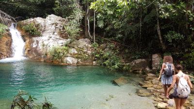 Cachoeira Santa Barbarinha na Chapada dos Veadeirosl que não é permitido o banho