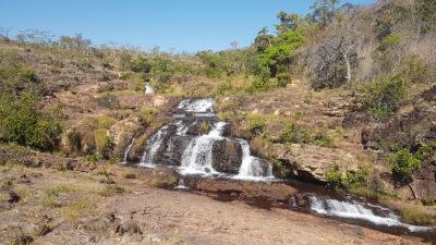 Cachoeira do banho dos Macacos, a primeira queda da trilha do rio macaquinhos