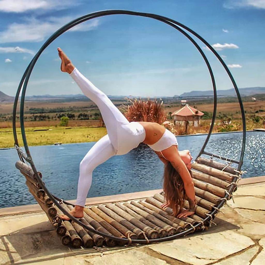 Professora de Yoga Aline ferreira